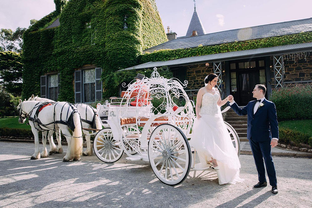 Cobb & Co Carriages_Victoria_country_weddings