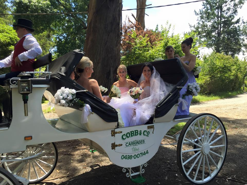 Wedding_carriages_Victoria_10